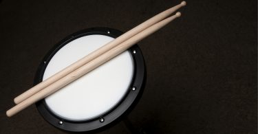 20 Songs with Amazing Drum Solos ⋆ Hear the Music Play