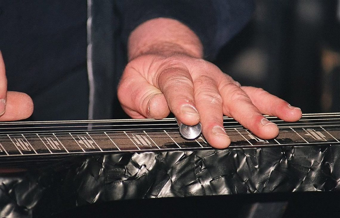 When Ben Harper Or David Lindley Plays Slide They Inevitably Choose To Use A Lap Steel Guitar That Throaty Moaning Wail Of Notes From Records Like